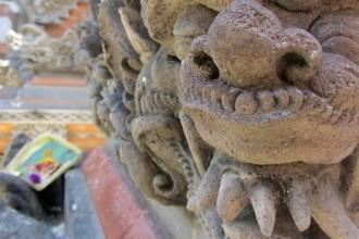 Hinduistische Tempelstatue in Ubud Bali