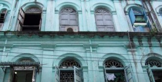 Alte Kolonialfassade in Yangon