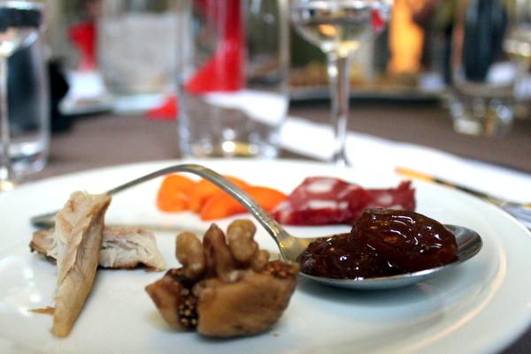 Tsipouro und Meze Athen kulinarisch