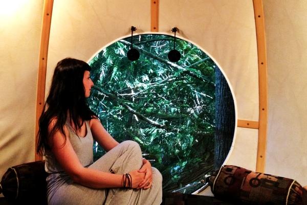 Innen Free Spirit Sphere Baumhaus Kanada