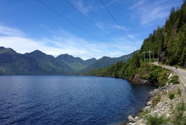Vancouver Island von der Ostküste an die Westküste Zentrum Gebirge Roadtrip