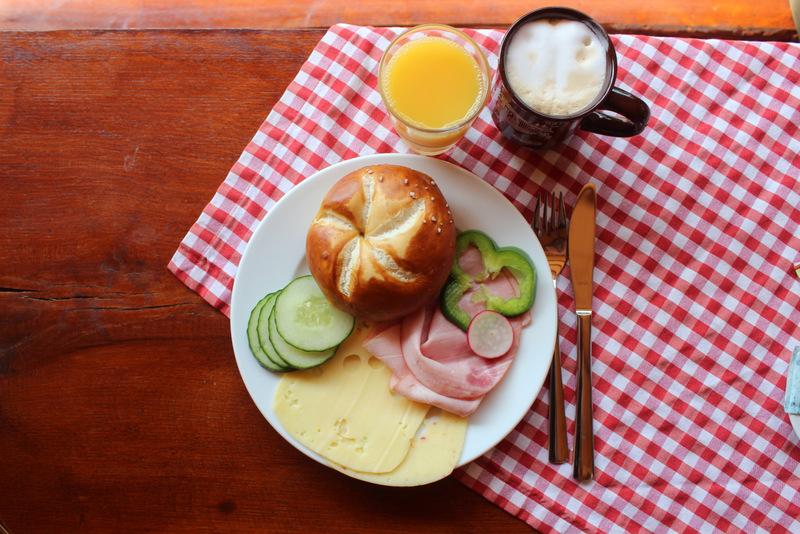 Frühstück Wildparadies Schäferwagen Tripsdrill