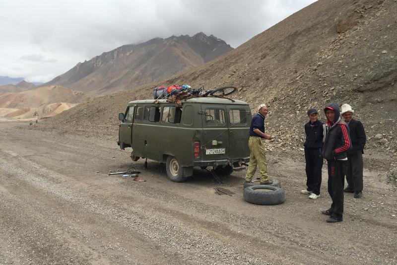 Autopanne Pamir Highway Tadschikistan Pass