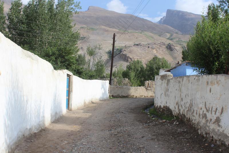 Dorfstraße Wachan Tal Tadschikistan Pamir