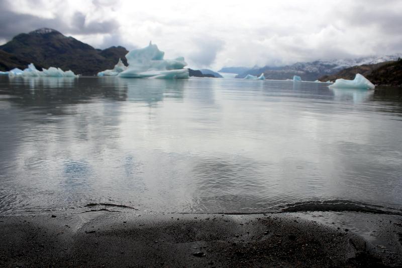 Eisberge Strand Gletschersee Glacier Grey
