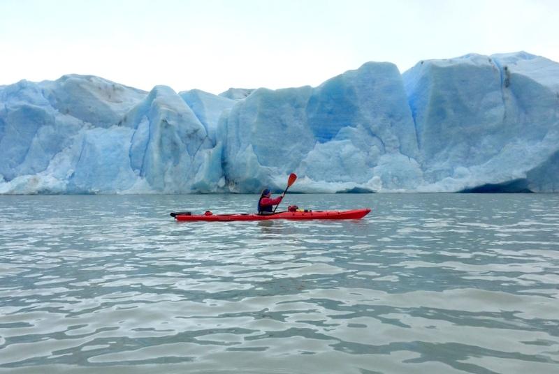 Gletscher Eis Kajaken Torres del Paine Patagonien Chile
