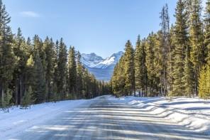 Icefields Parkway im Winter Banff Bow Valley Lake Louise im Winter Skifahren im Westen Kanadas