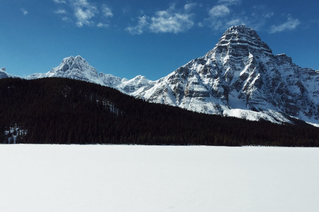 Kanadische Rockies Winter Icefields Parkway Waterfowl Lake