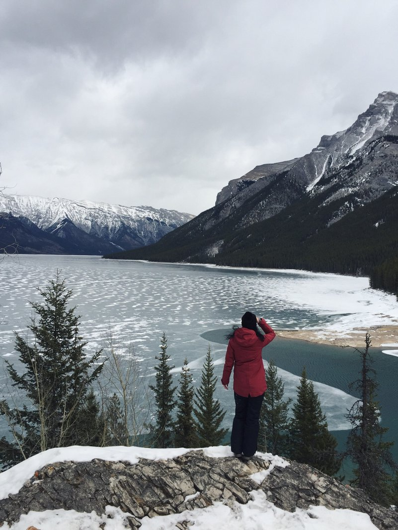 Lake Minnewanka Banff Kanada im Winter