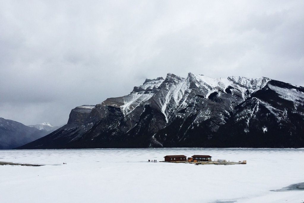 Lake Minnewanka Banff Nationalpark Winter