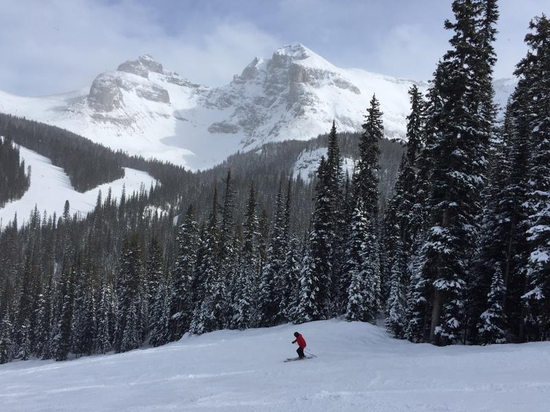 Winterreisen: Skifahren in den Kanadischen Rockies