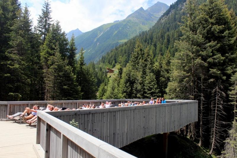 13 Aussichtsplattform Grawa Wasserfall Liegen