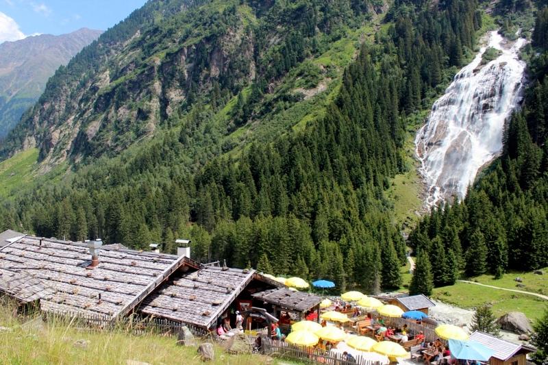 14 Grawa Alm Stubaital mit Grawa Wasserfall