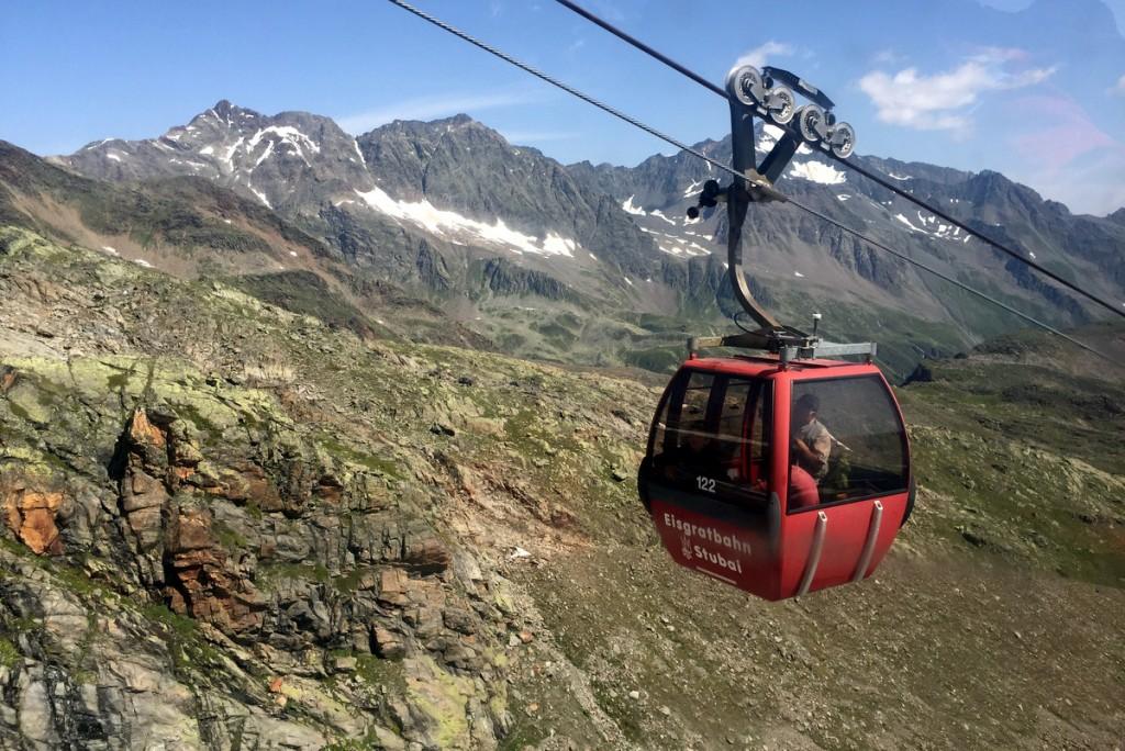 Stubaier Gletscherbahn Gondel Stubaier Gletscher Sommer wandern
