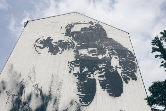 Astronaut Cosmonaut Mural Streetart Berlin Kreuzberg