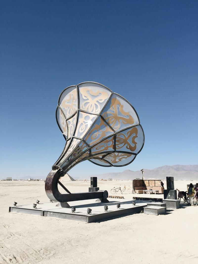 Grammophon Wueste Burning Man Kunst