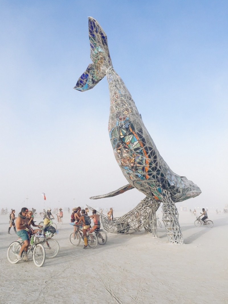 Space Whale Kunst Burning Man 2016