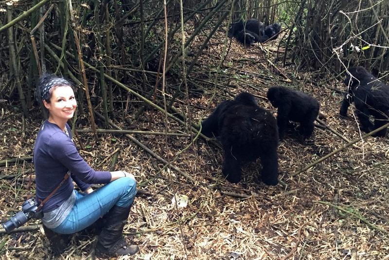gorilla-trekking-ruanda-susi-maier-black-dots-white-spots