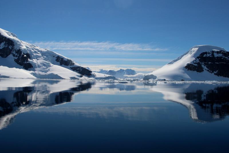 antarktis-spiegelung-im-wasser-6