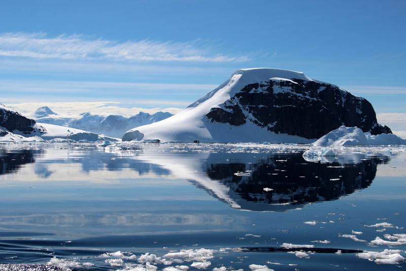 antarktis-spiegelung-im-wasser-7