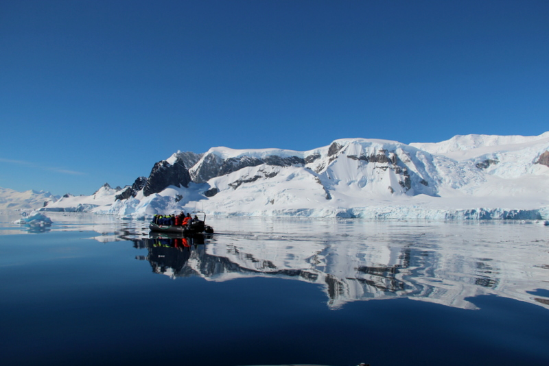 cruisen-antarktis-ausflug-hurtigruten