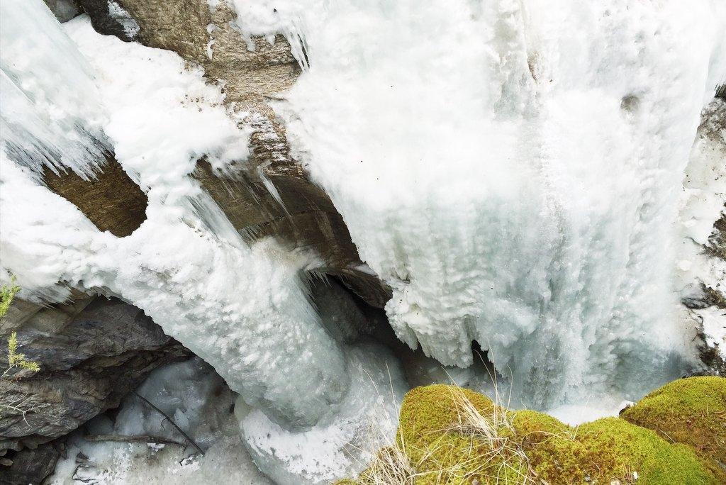 Maligne Canyon Jasper gefrorener Wasserfall