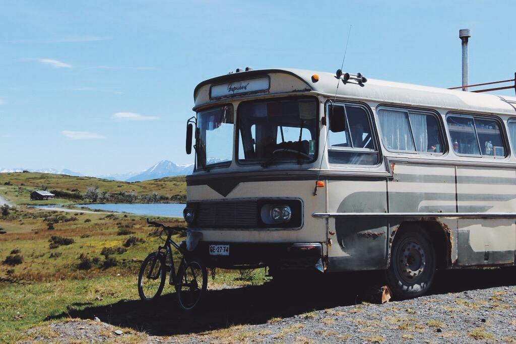 Puerto Williams Buspackers Van
