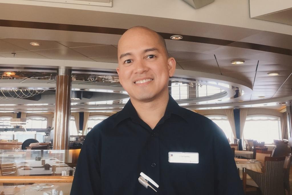 Vince Filipino Crew MS Midnatsol Hurtigruten