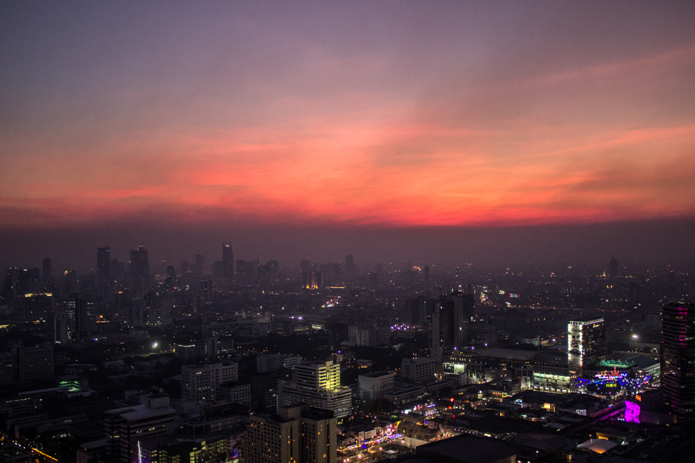 sundowner centara grand bangkok skyline