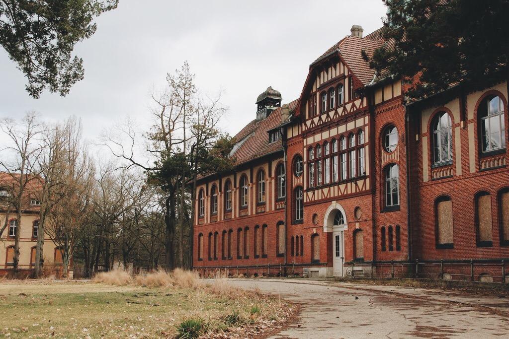 Beelitz Heilstaetten Badehaus Filmdrehorte Tour