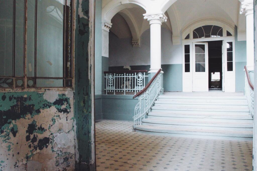 Beelitz Heilstaetten Tour Filmdrehorte Treppenhaus