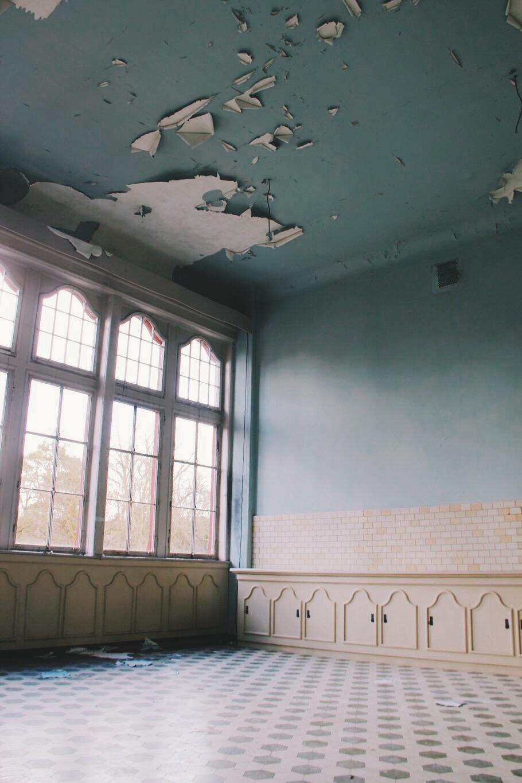Beelitz verlassenes Patientenzimmer Innenraum