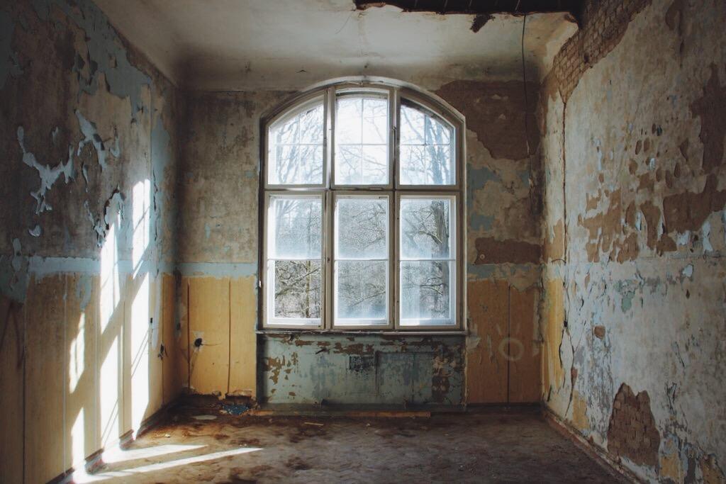 Beelitz-verlassener-Ort-Krankenhaus-Zimmer