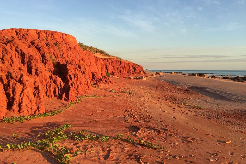 Broome rote Klippen Sonnenuntergang Reddell Beach