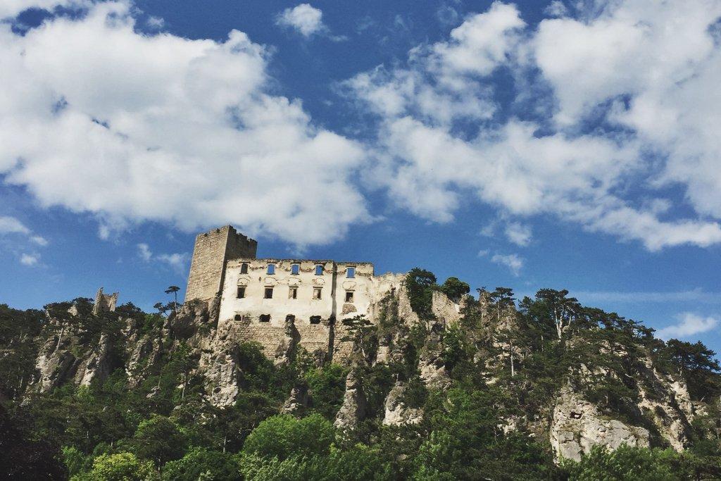 Burg Rauhenstein Wienerwald Baden