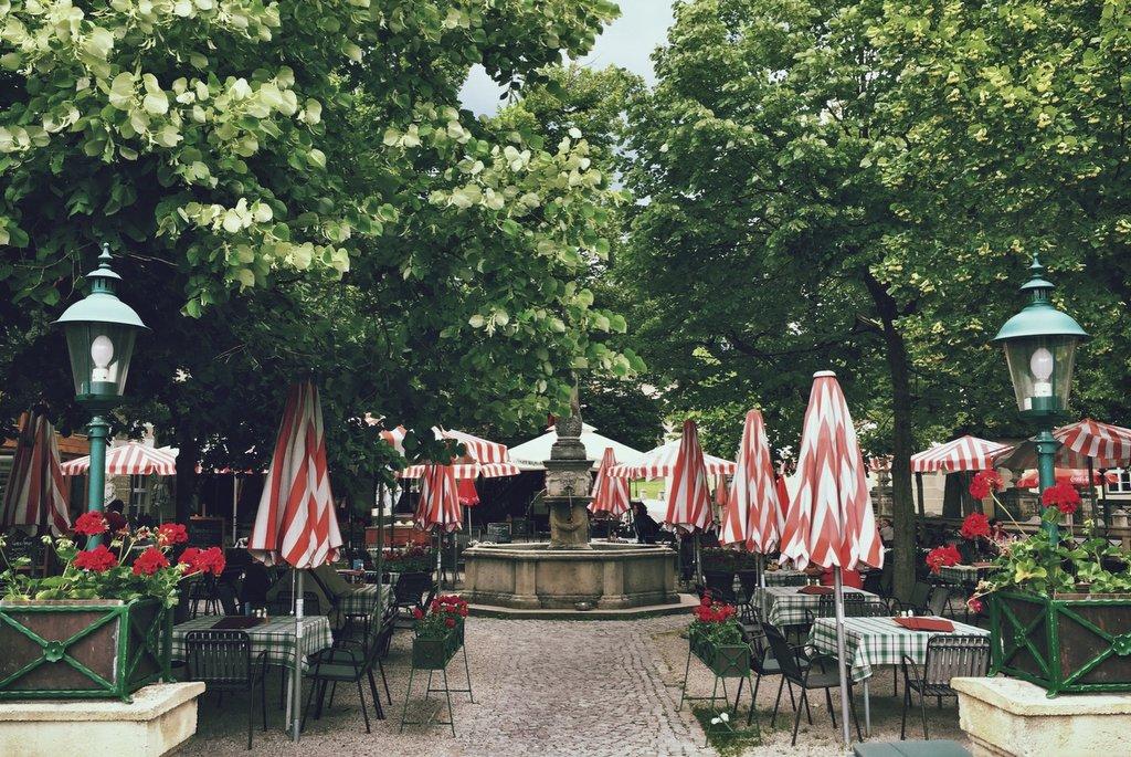 Wienerwald Baden Biergarten Heiligenkreuz