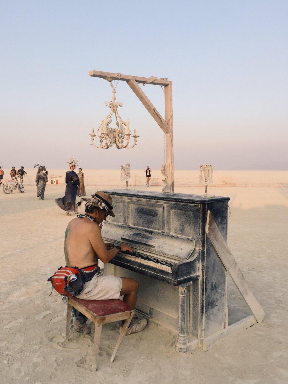 Burning Man Nevada Klavier
