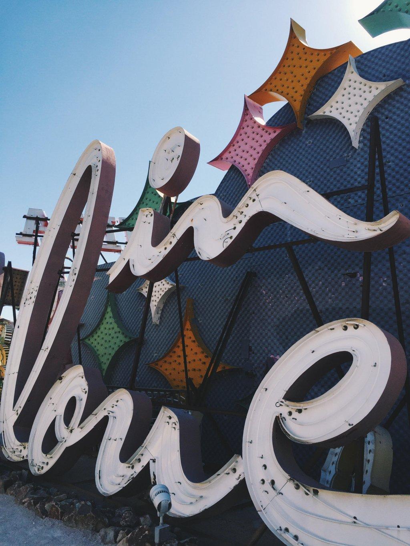 Las-Vegas-Neon-Museum-Moulin-Rouge-Schild