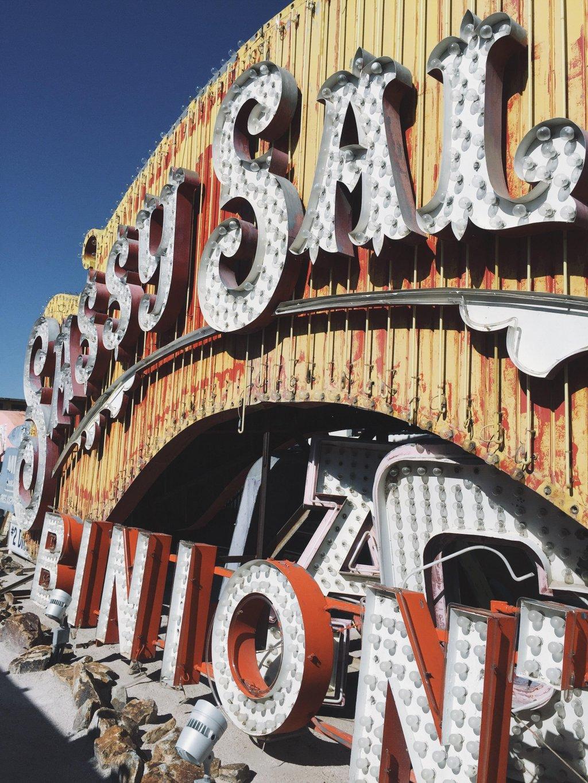 Las-Vegas-Tipps-Neon-Museum-alte-Schilder