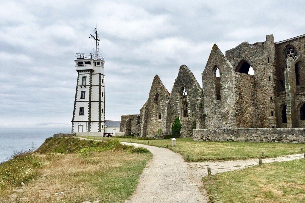 Pointe-Saint-Mathieu-Bretagne-Abtei-Leuchtturm