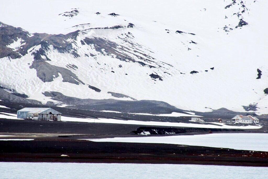 Antarktis-Whalers-Bay-Decetion-Island-verlassene-Orte