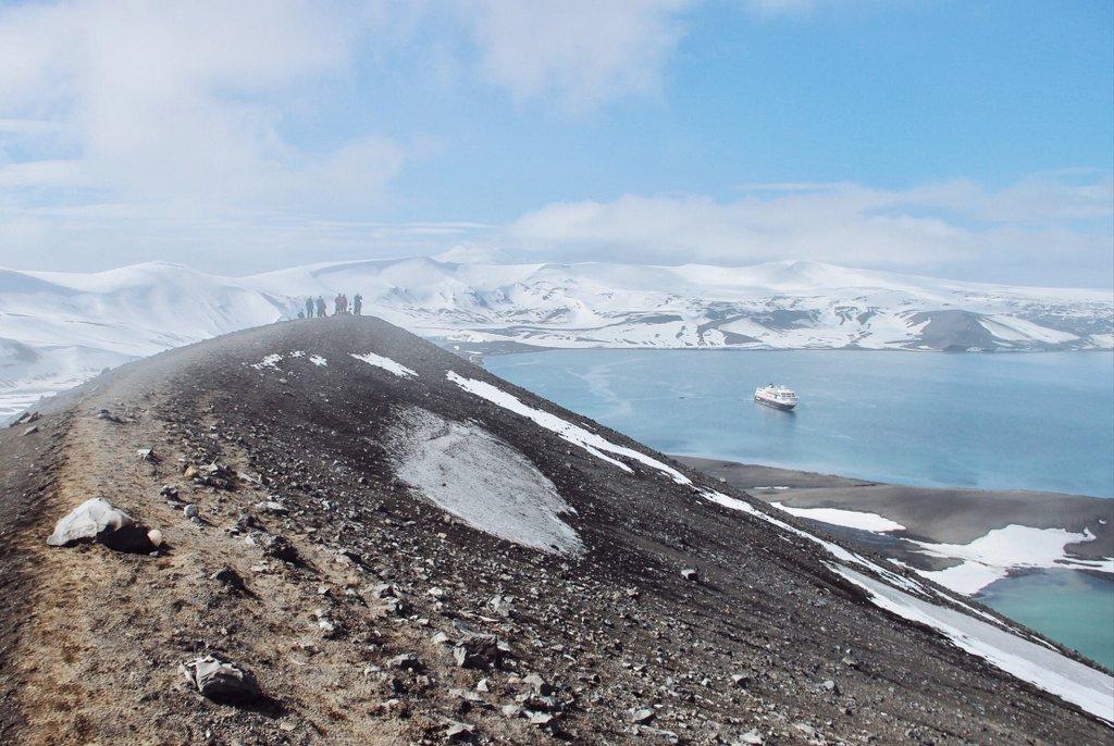 Deception-island-Antarktis-Hurtigruten-Ausflug