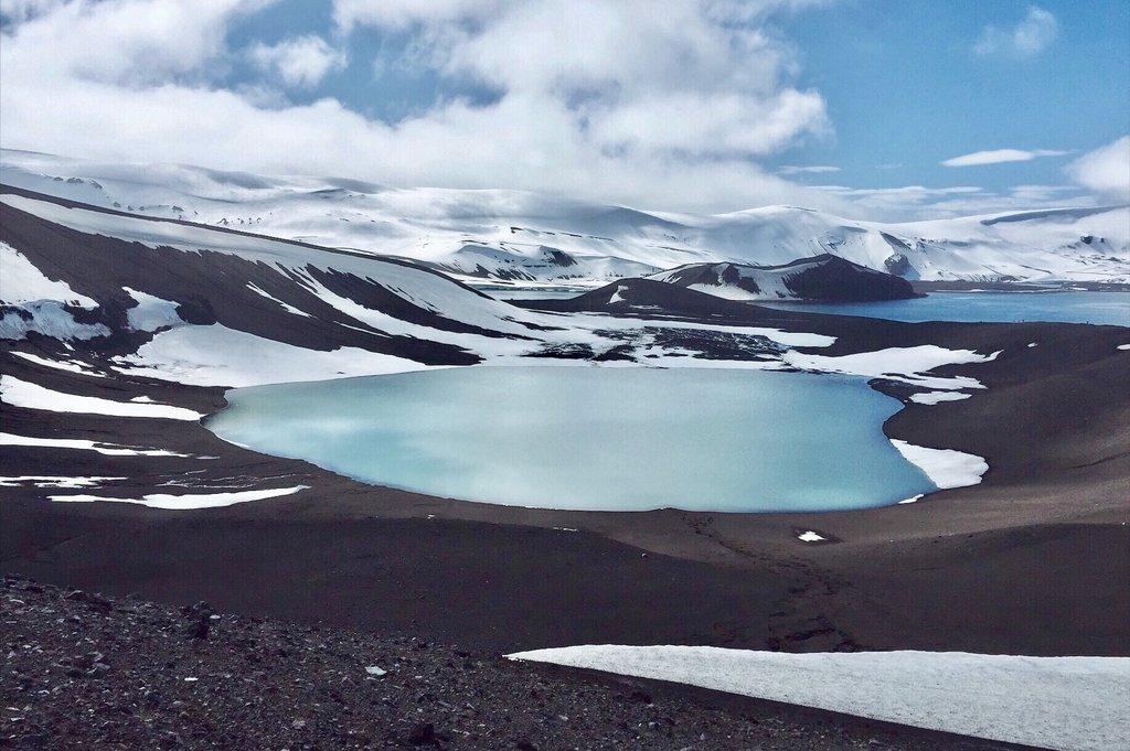 Kratersee-Deception-Island-Antarktis