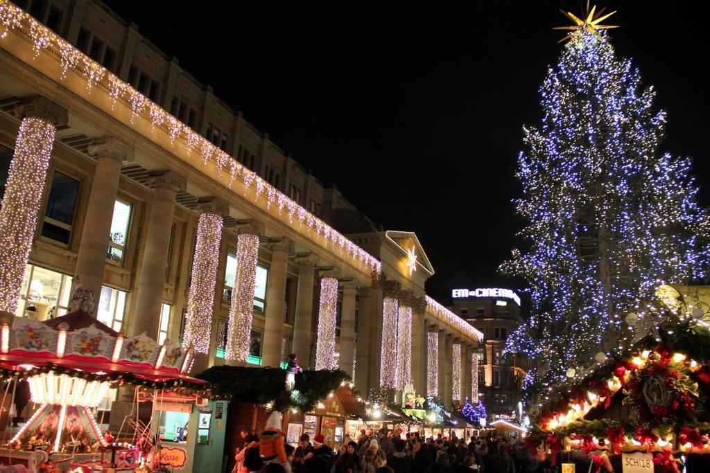 Stuttgart Weihnachtsmarkt Schlossplatz Boerse