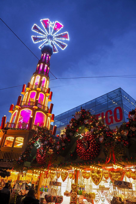 Stuttgarter Weihnachtsmarkt Schlossplatz