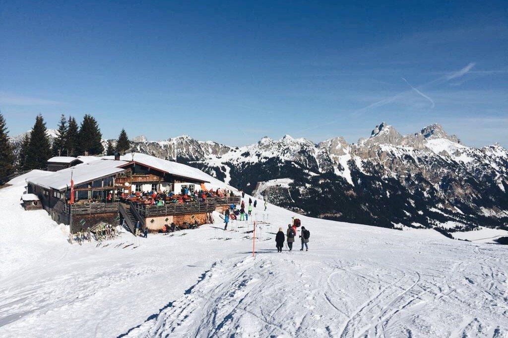 Neunerkoepfle-Skihuette-Einkehr-Tipps-Tannheimer-TalNeunerkoepfle-Skihuette-Einkehr-Tipps-Tannheimer-Tal