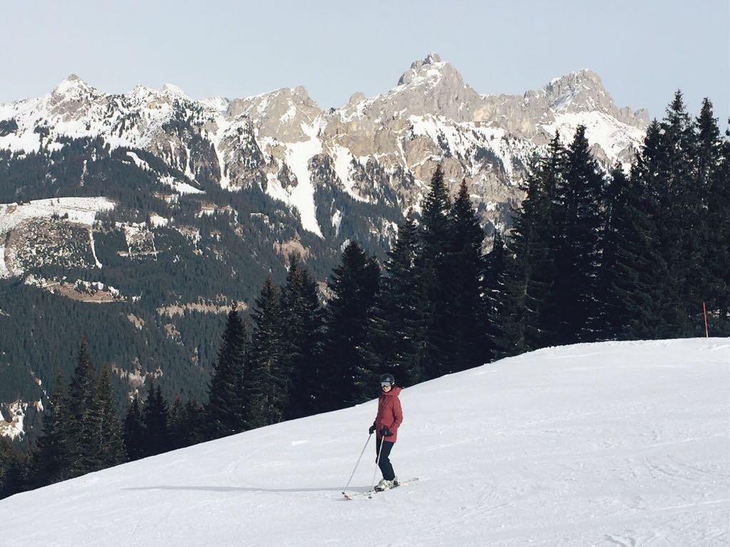 Skifahren Tannheimer Tal Tirol Oesterreich