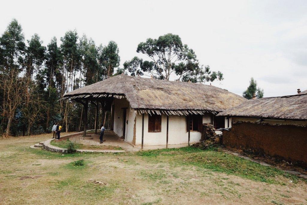 Addis-Abeba-Sehenswuerdigkeiten-Palast-Entoto