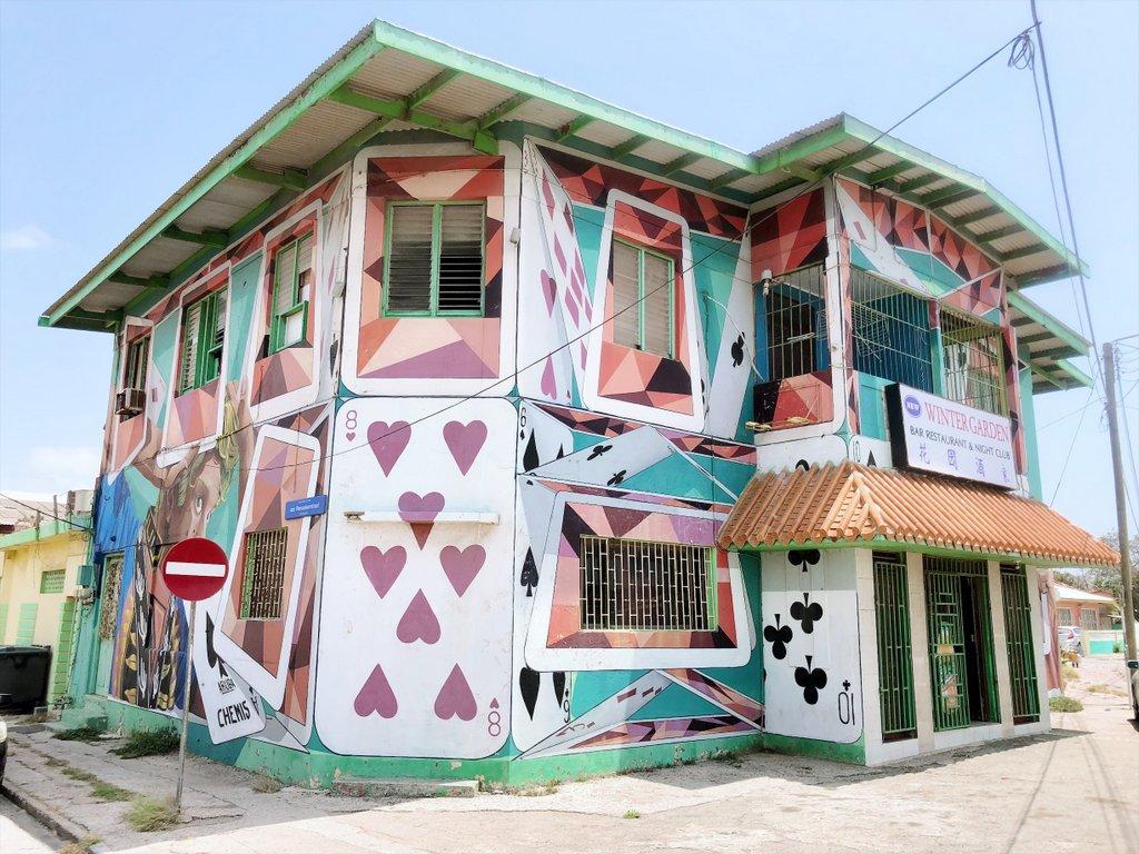 San-Nicolas-Aruba-Streetart-Infinity-House-of-Cards