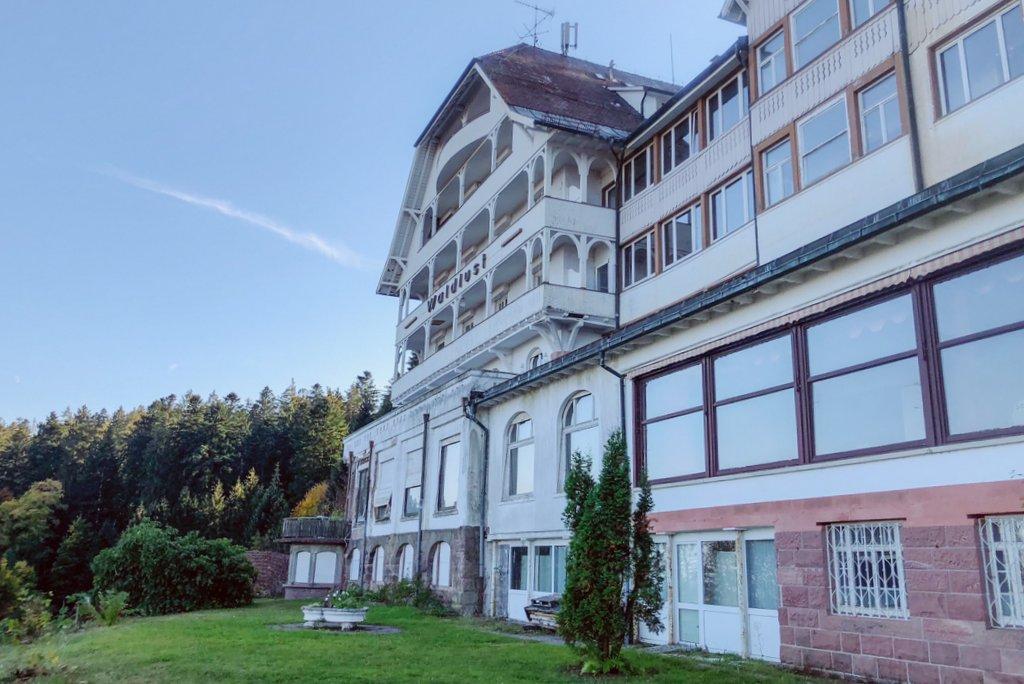Verlassenes-Hotel-Schwarzwald-Waldlust